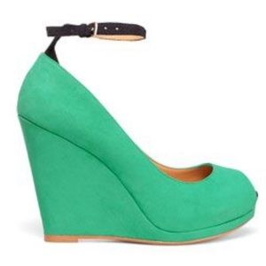 Nwt green leather wedges with ankle strap